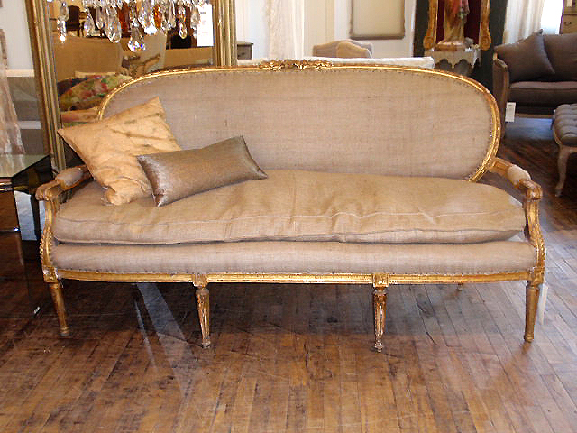 Superbe Vintage Burlap Sofa And Chair